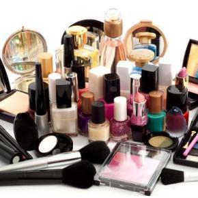 E se como as blogueiras, você recebesse produtos de beleza mensalmente paratestar?